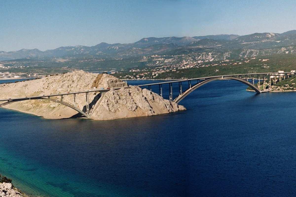 Krk-sziget: nem marad meg a csodás kilátás az új hídról