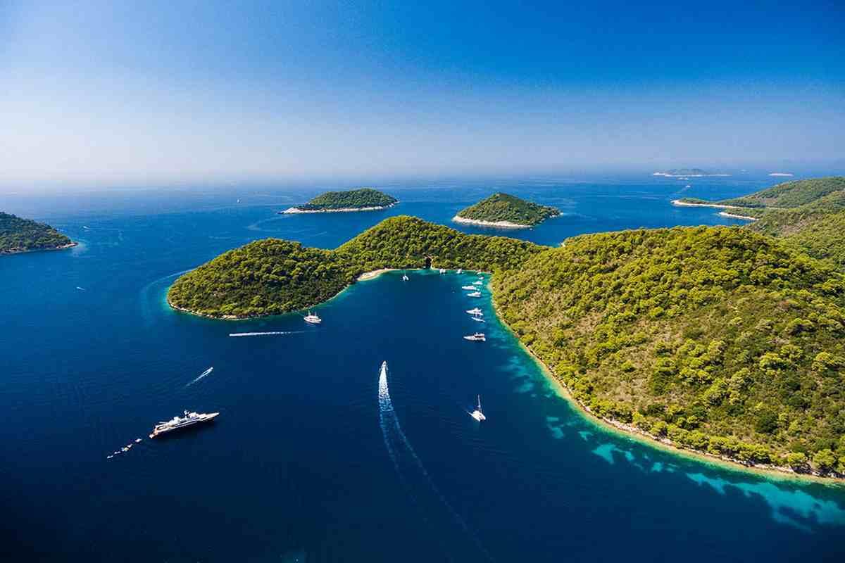 Szájbarágó: teszt, oltás, korábbi fertőzés - így lehet beutazni Horvátországba