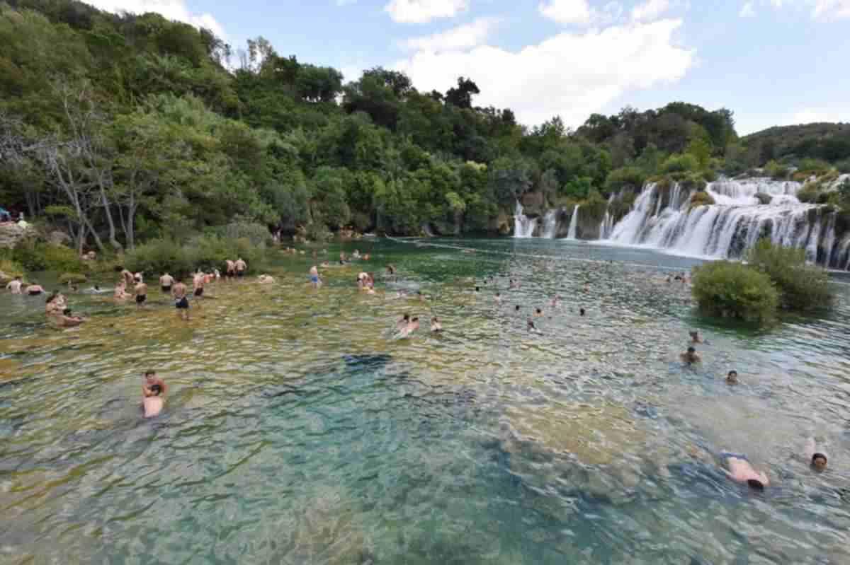 Tiltakozás: ismét lehessen fürdeni a Krka vízesésnél!