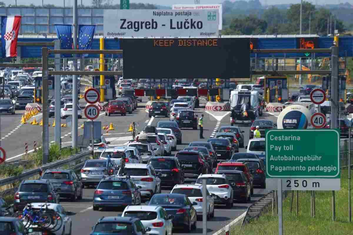 Elkezdődött! A szezon első dugója a horvát autópályákon