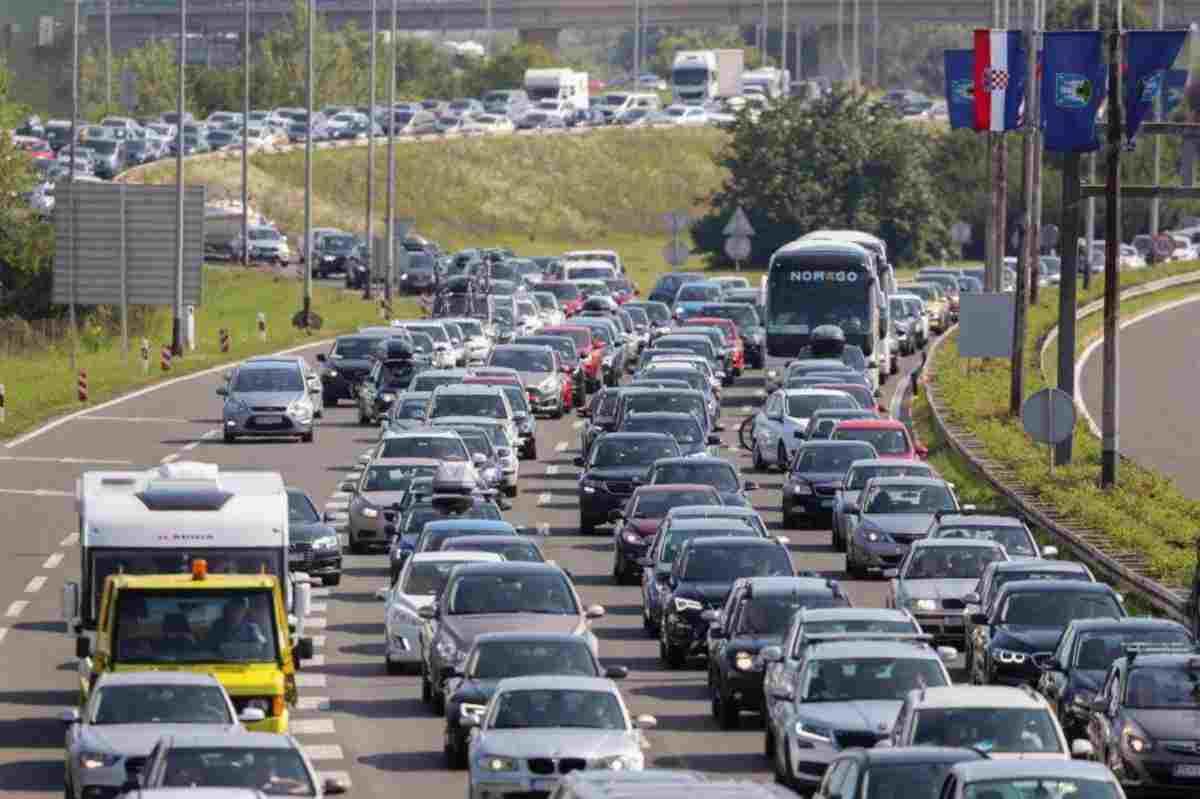 Jó hír: nem emelik nyáron a horvát autópályadíjakat